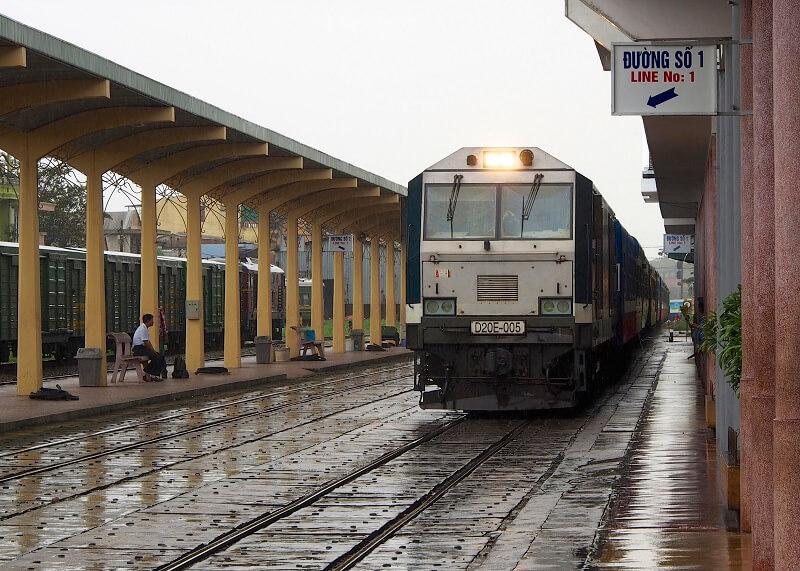Tren en Vietnam